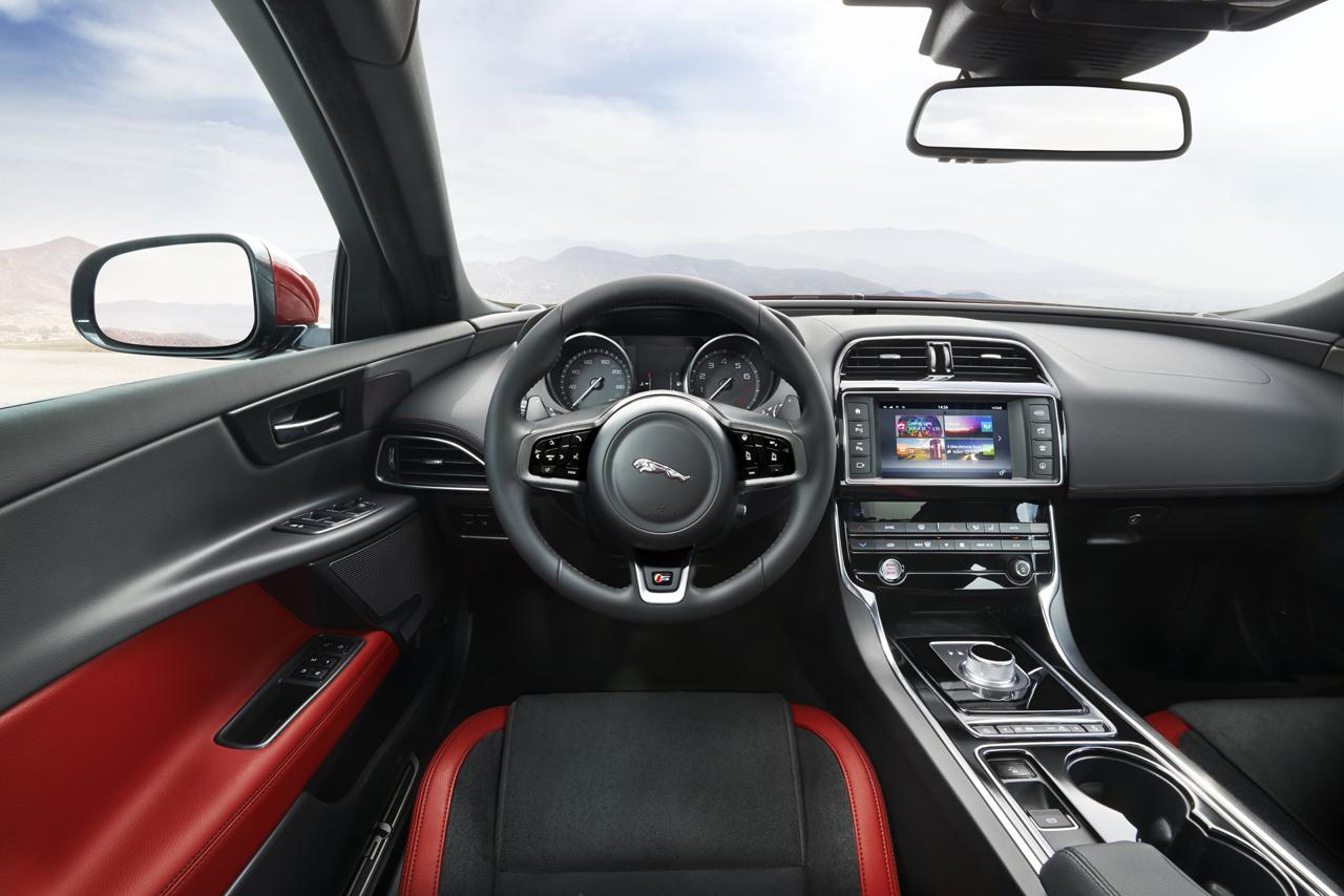 2016-jaguar-xe-01-1