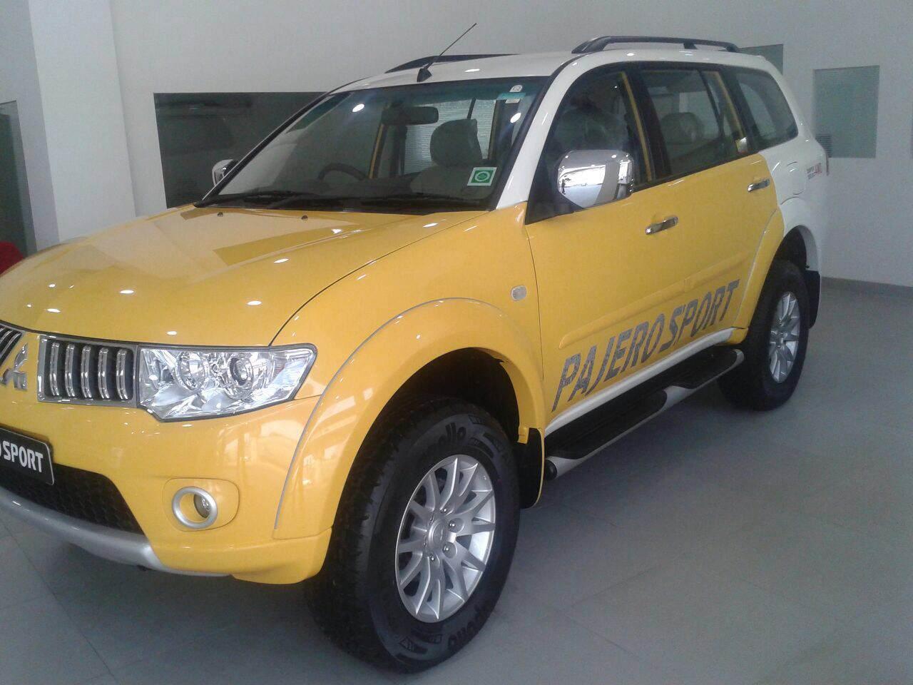 Mitsubishi-Pajero-Sport-dual-tone