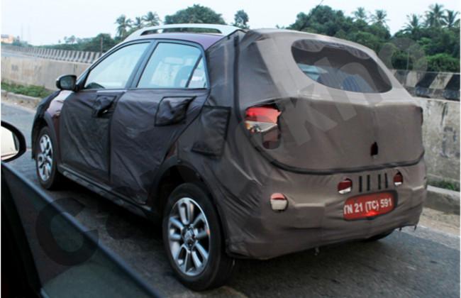 Spied-Hyundai-Elite-i20-Cross-rear-quarter