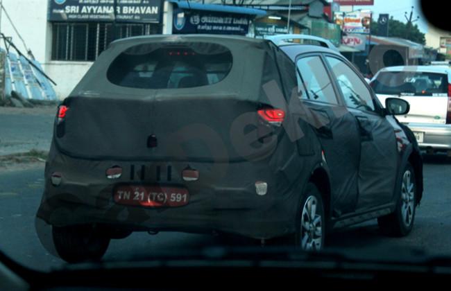 Spied-Hyundai-Elite-i20-Cross-rear-quarters