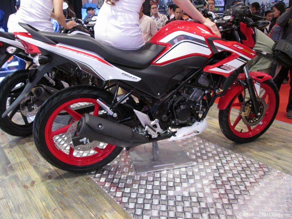 new-cb150r-facelift-001