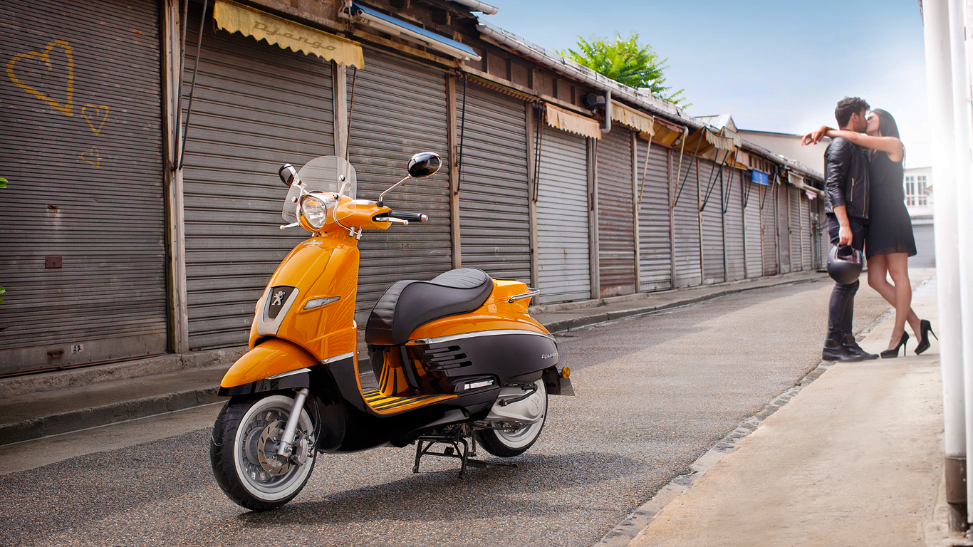 Mahindra to buy Peugeot's scooter division
