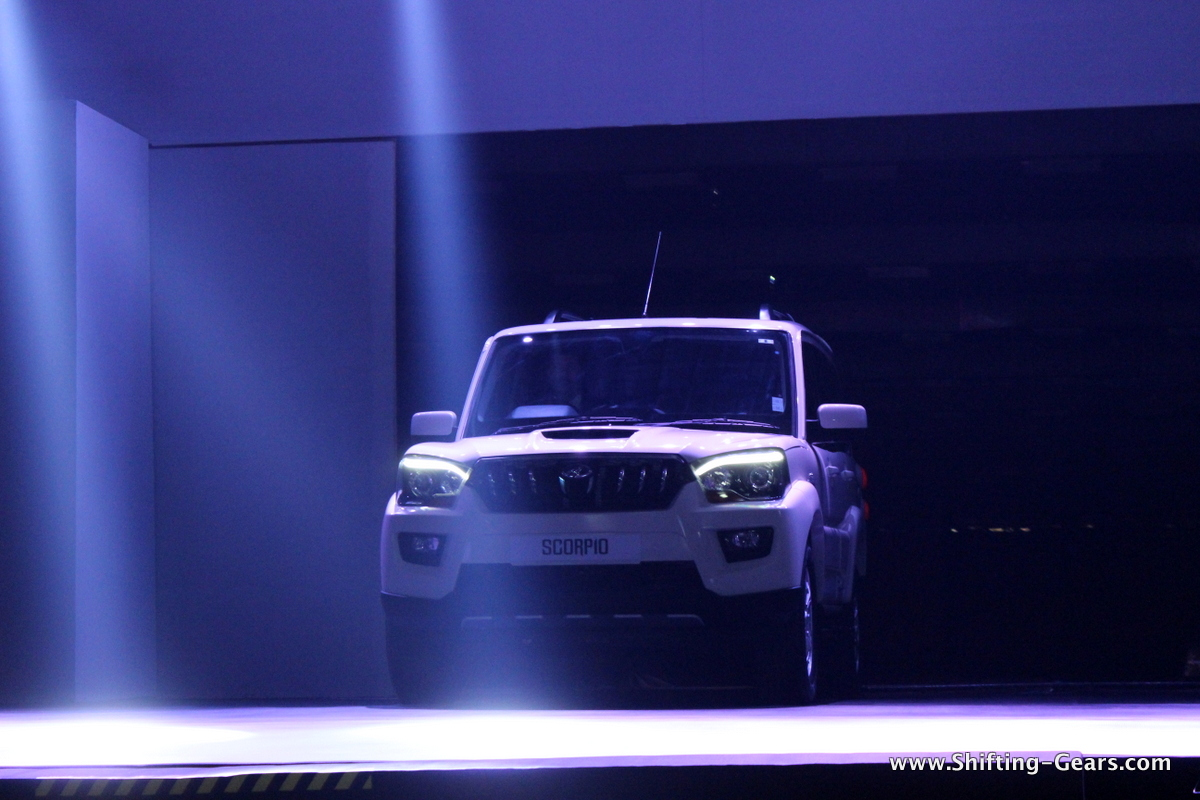 Mahindra's auto sector sells 42,776 units in October '14