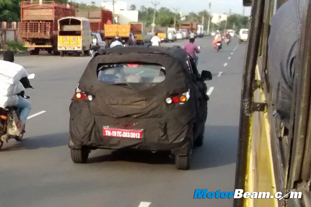 2015-Mahindra-S101-Compact-SUV-Spyshot-5
