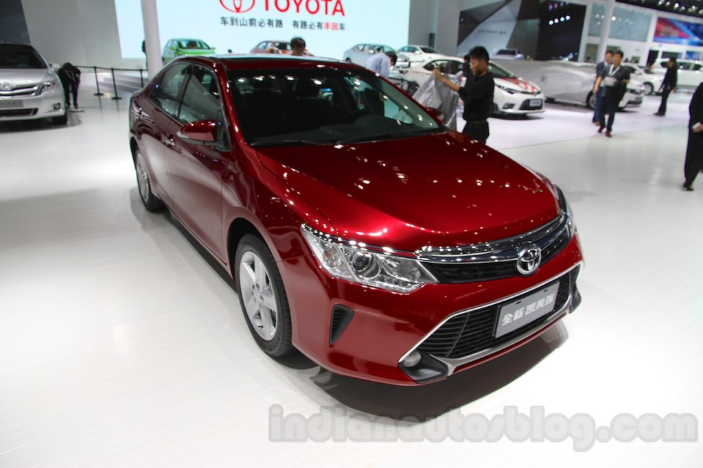 2015-Toyota-Camry-facelift-front-quarters-at-the-Guangzhou-Auto-Show-2014-1024x682