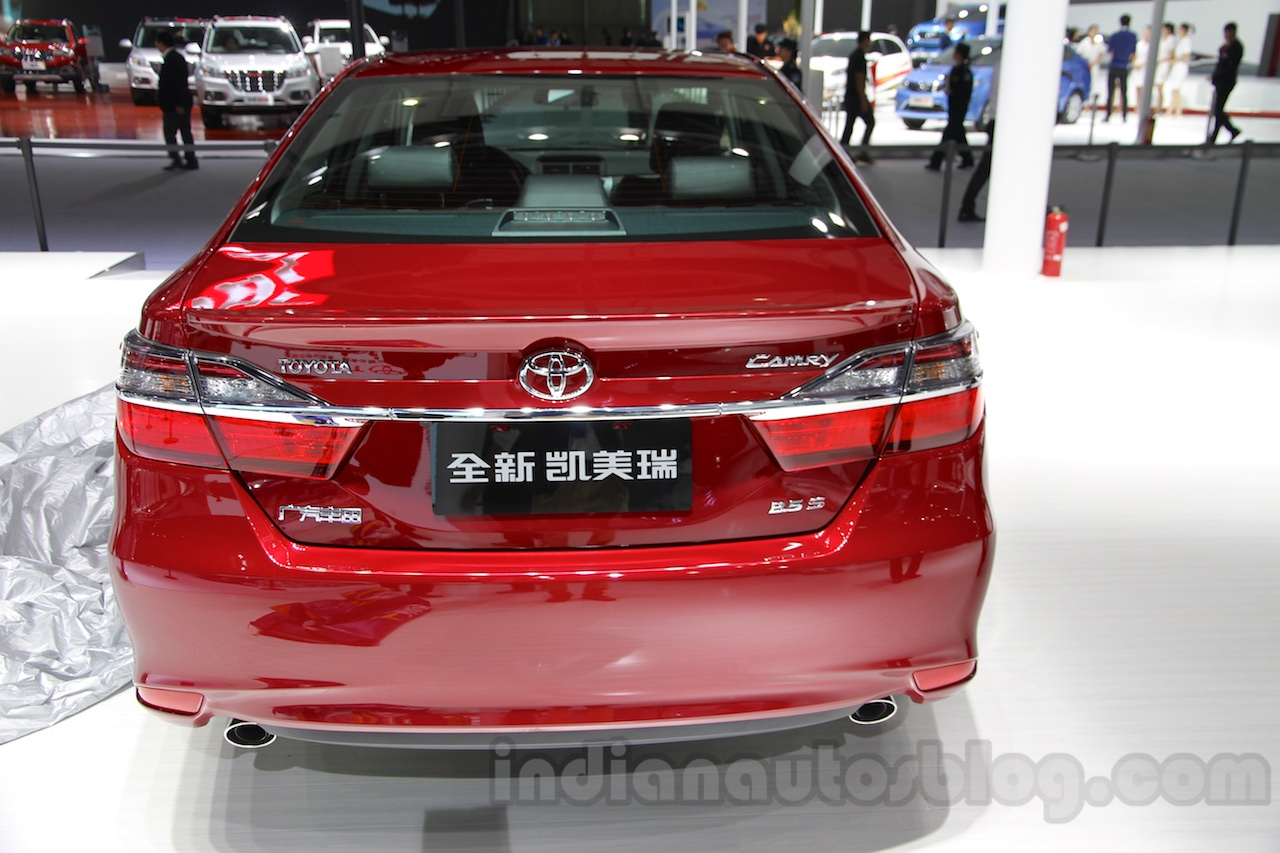 2015-Toyota-Camry-facelift-rear-at-the-Guangzhou-Auto-Show-2014