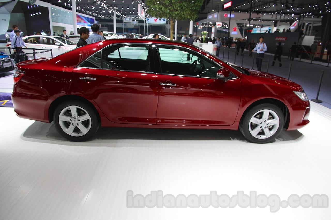India-bound 2015 Toyota Camry revealed
