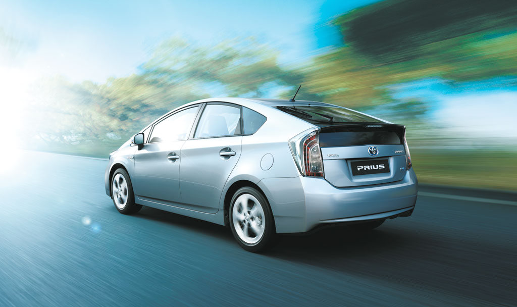 toyota wants to introduce more hybrid cars in india