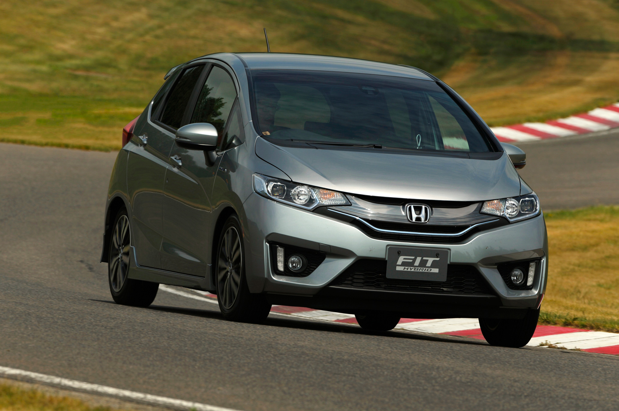 100 new Honda car dealerships by March 2016