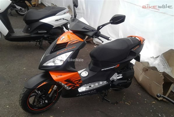 mahindra-peugeot-scooters-spotted-1