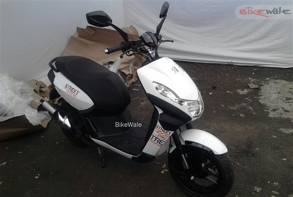 mahindra-peugeot-scooters-spotted-2