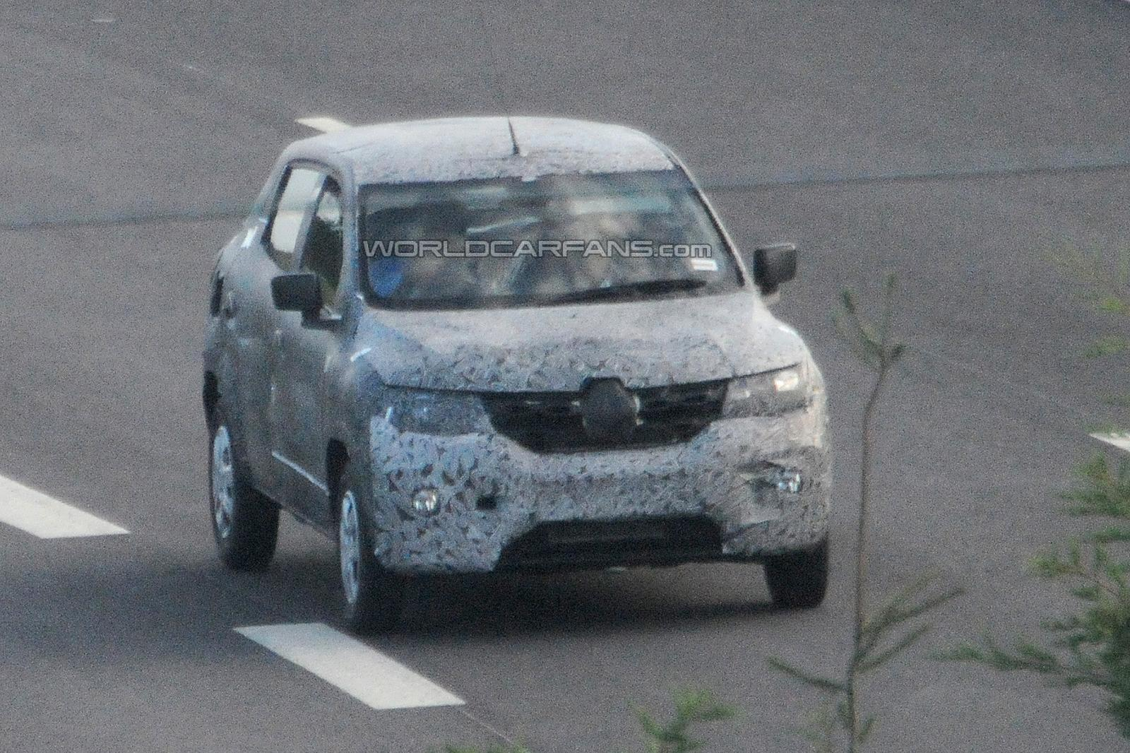 Renault's Ford EcoSport rivaling compact-SUV spied testing