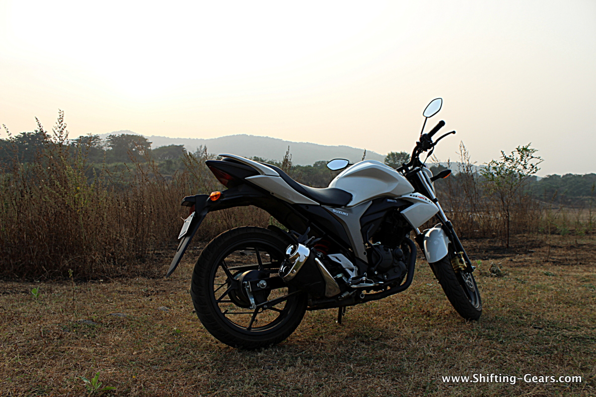 Side profile reveals a lot of progressive crease lines, which add a lot to the character of the bike