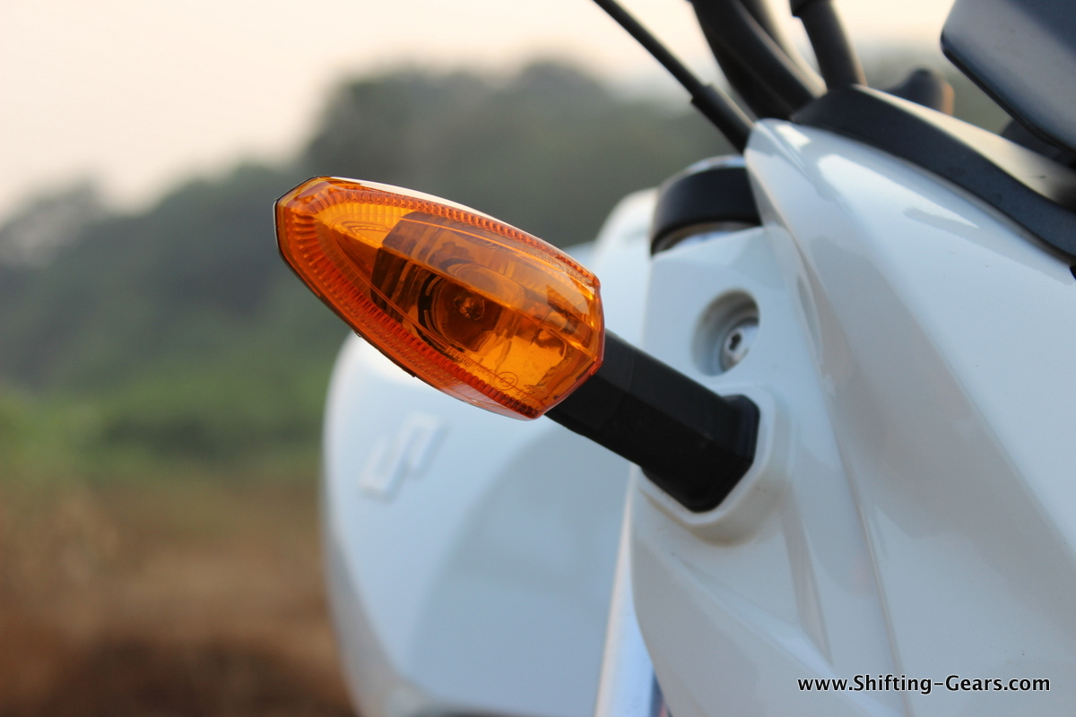 Amber lens for the turn indicators