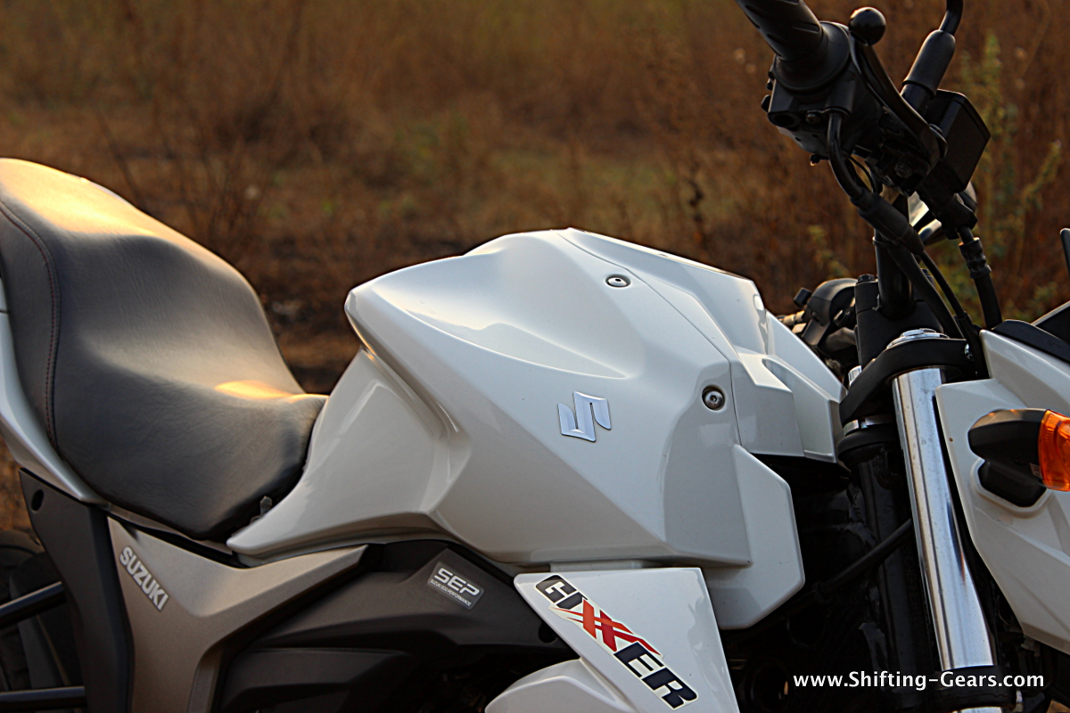 Sculpted tank is the highlight on the Suzuki Gixxer