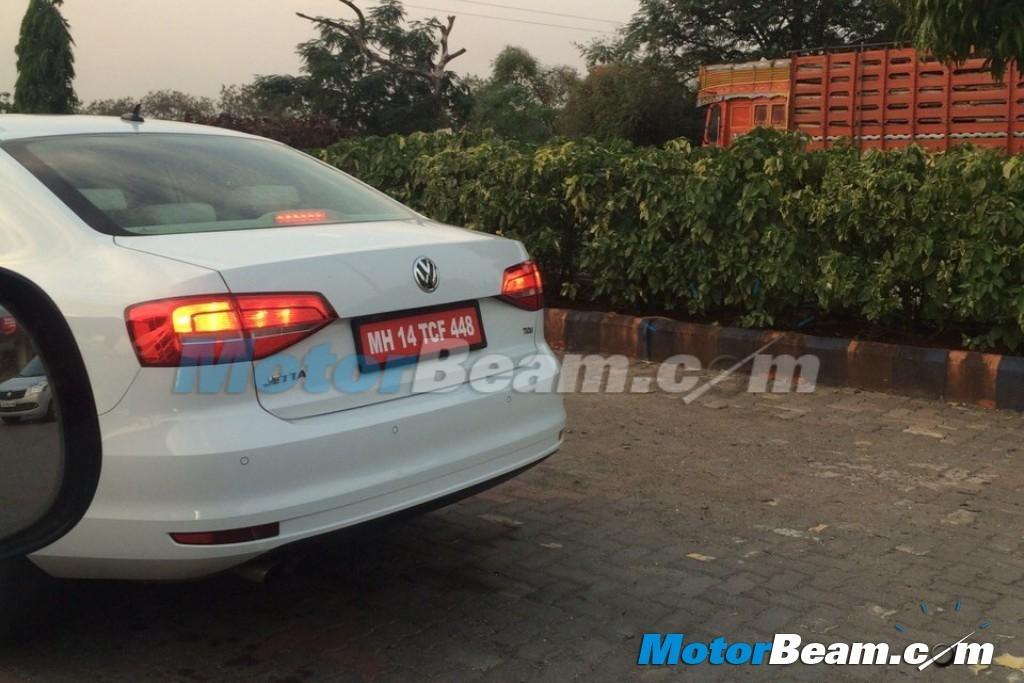 2015 Volkswagen Jetta facelift spotted testing