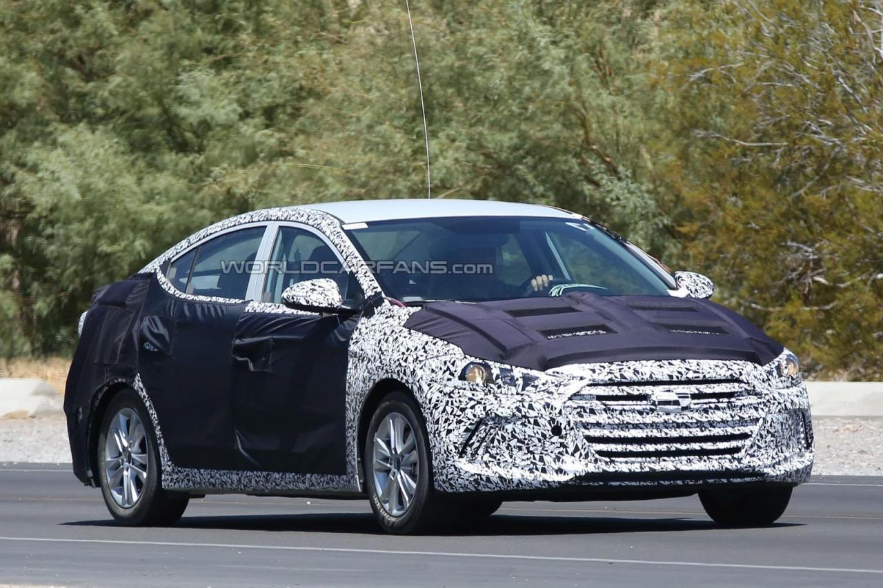 Next-generation, 2016 Hyundai Elantra spotted testing