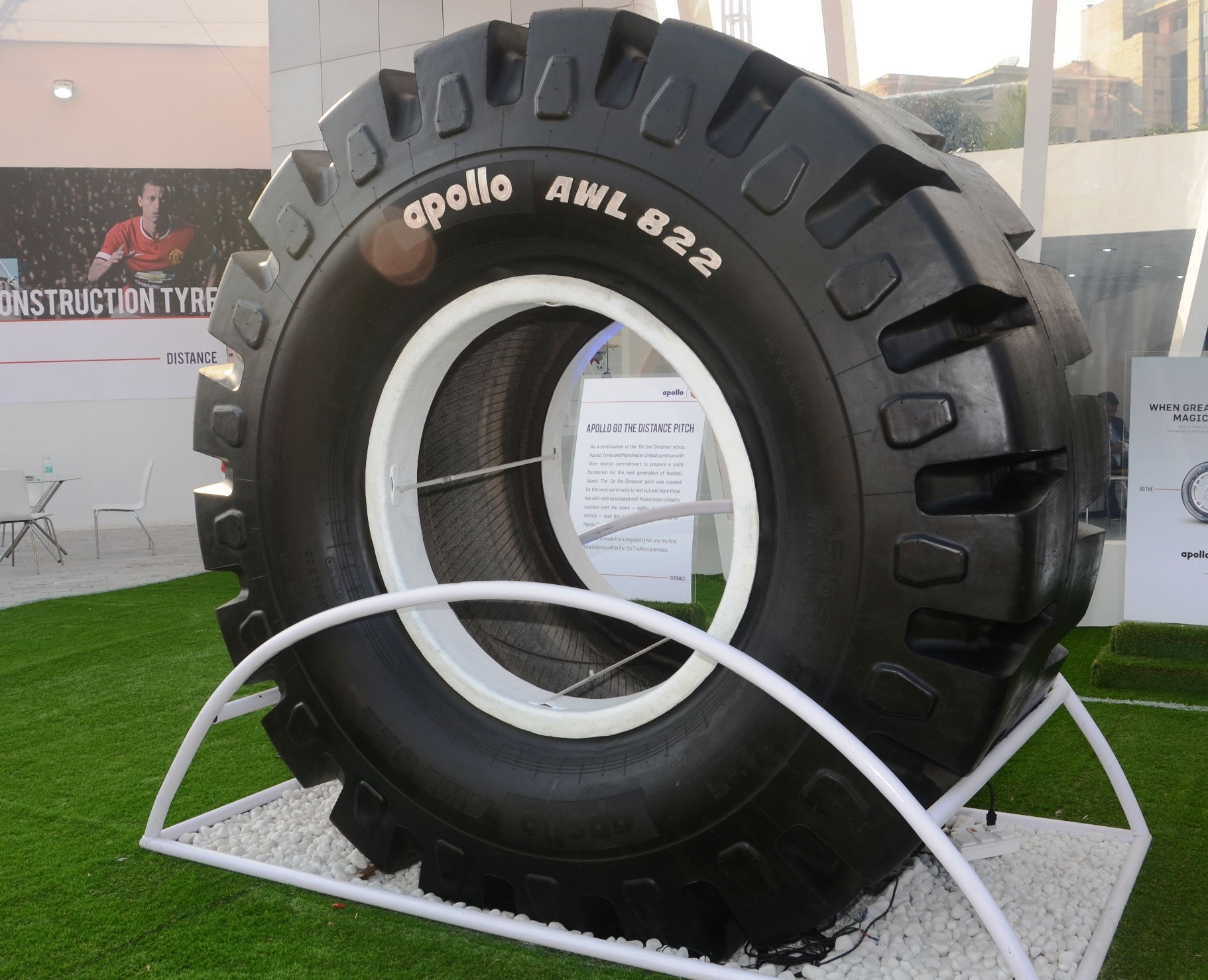 Apollo launches India's largest loader tyre AWL 822