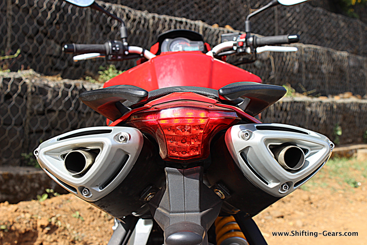 Benelli Bn 600i Tnt 600i Review 45 Shifting Gears
