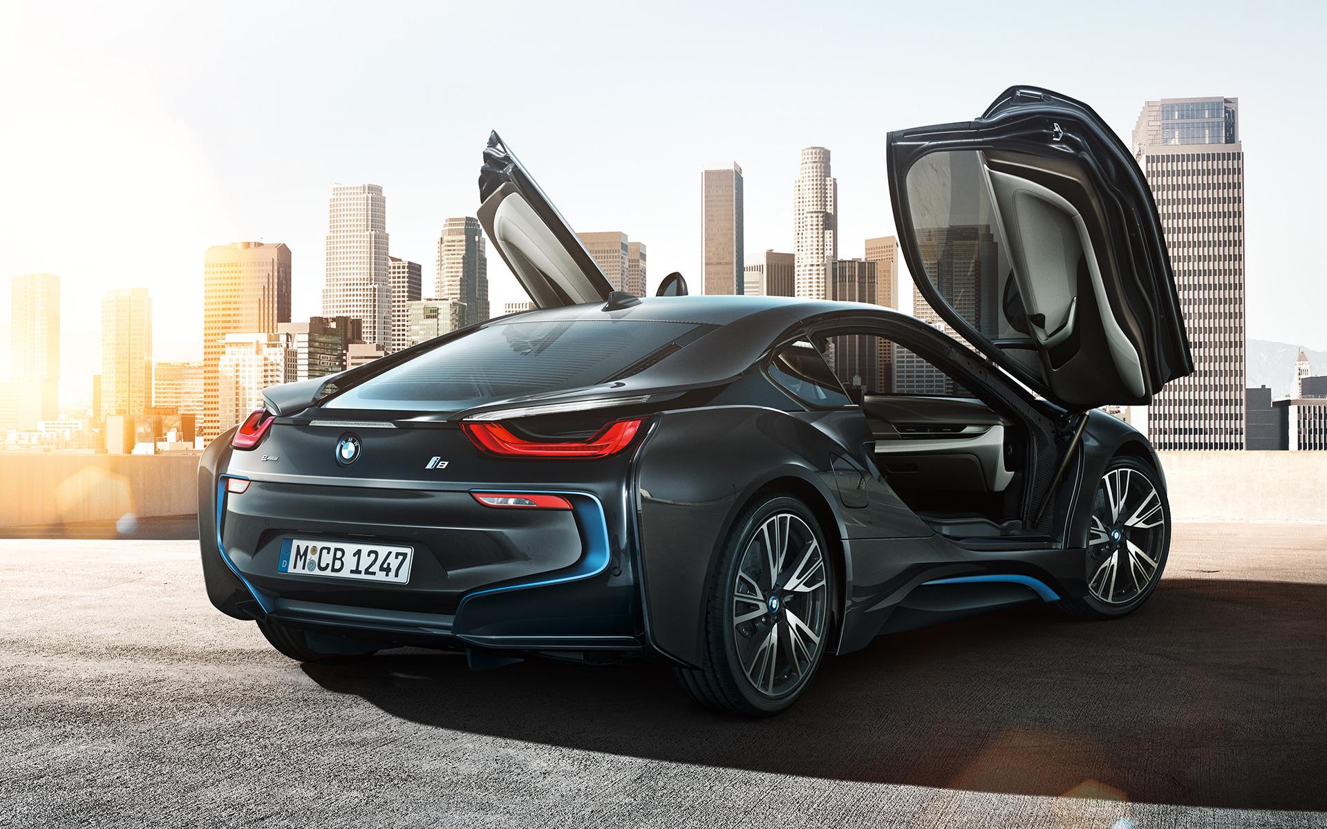 BMW i8 hybrid sportscar launching in February 2015
