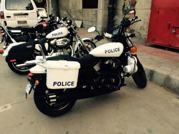 gujarat-police-harley