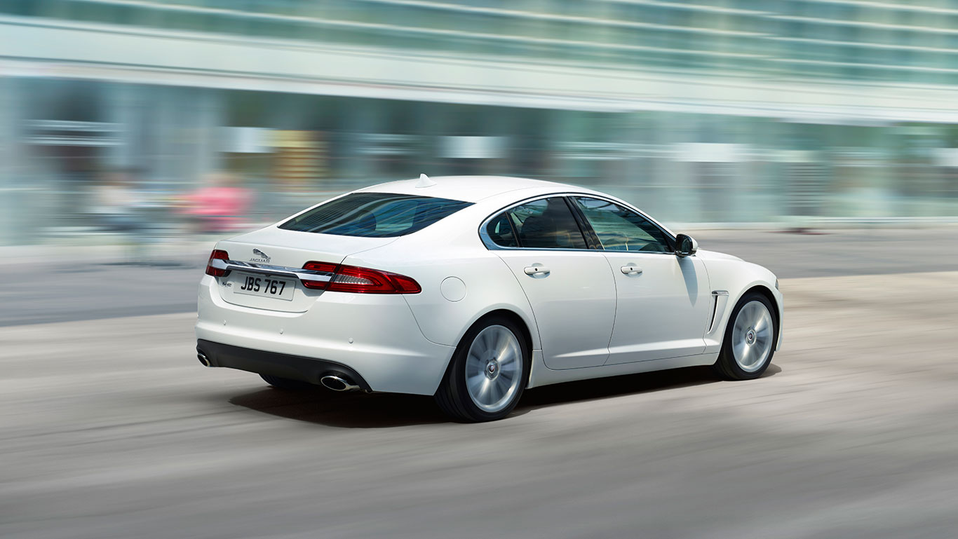 Jaguar XF 2.2L diesel Executive Edition @ Rs. 45.12 lakh