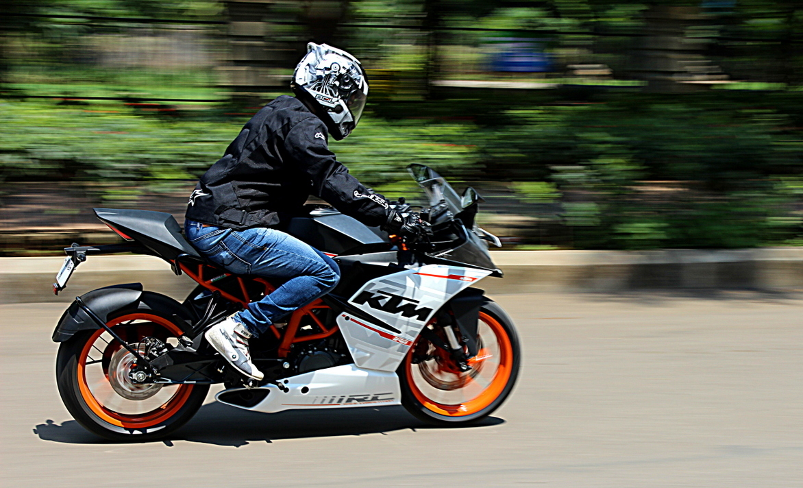 KTM to introduce slipper clutch on RC200 & RC390