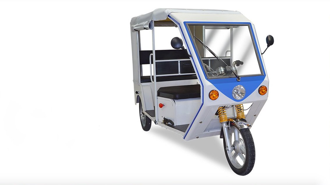 Terra Motors reveals R6 electric rickshaw for India