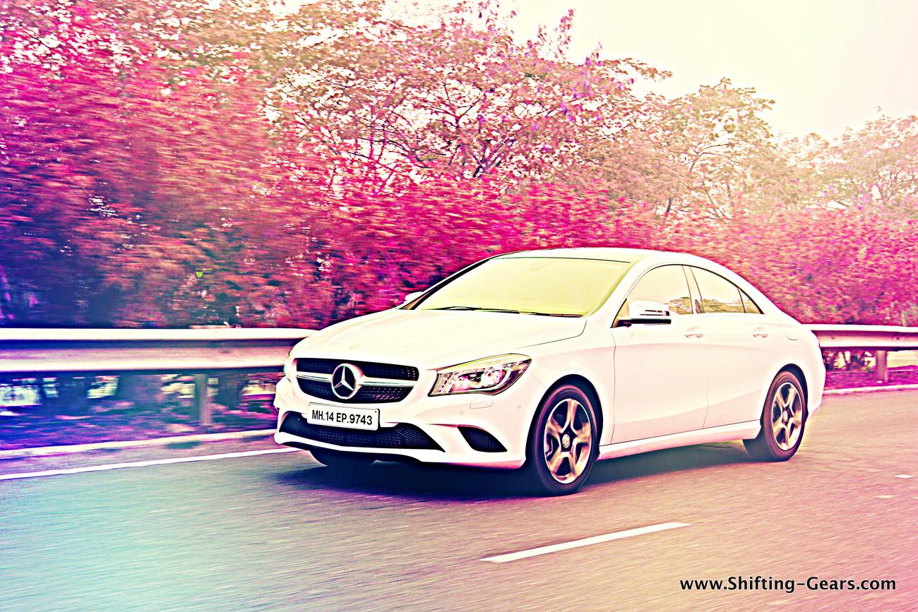 Mercedes-Benz CLA 200 photo gallery