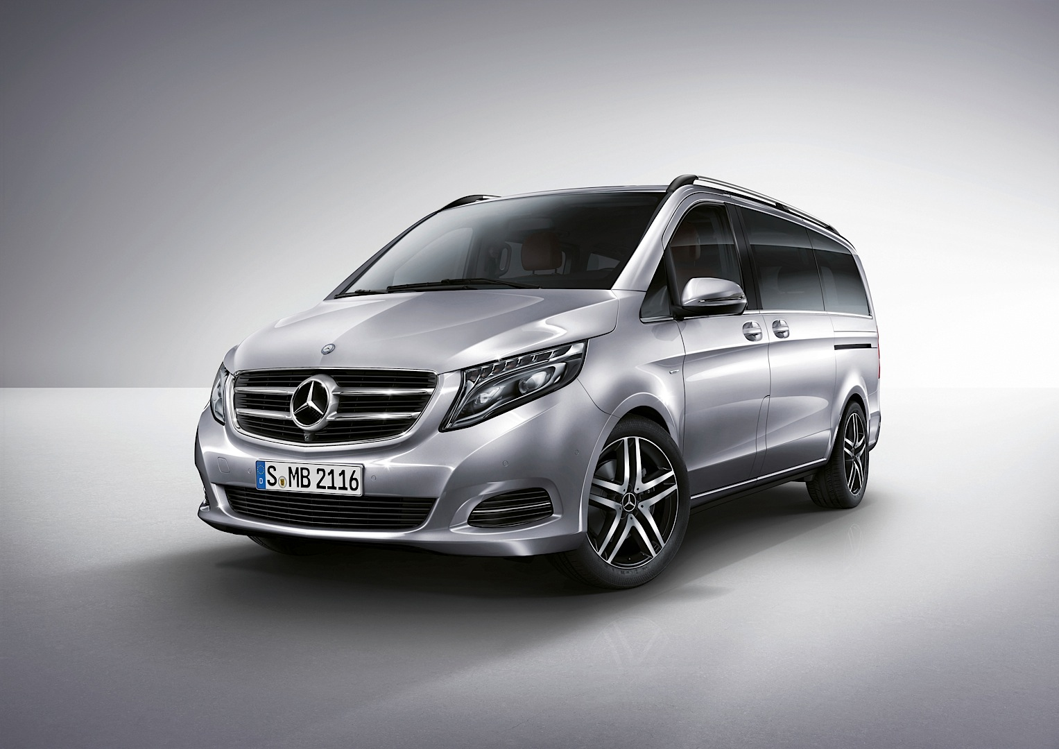 Mercedes benz viano van coming in 2015 shifting gears for Mercedes benz van 2015