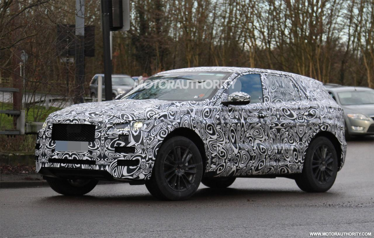 2016 jaguar f pace suv spotted again shifting gears. Black Bedroom Furniture Sets. Home Design Ideas