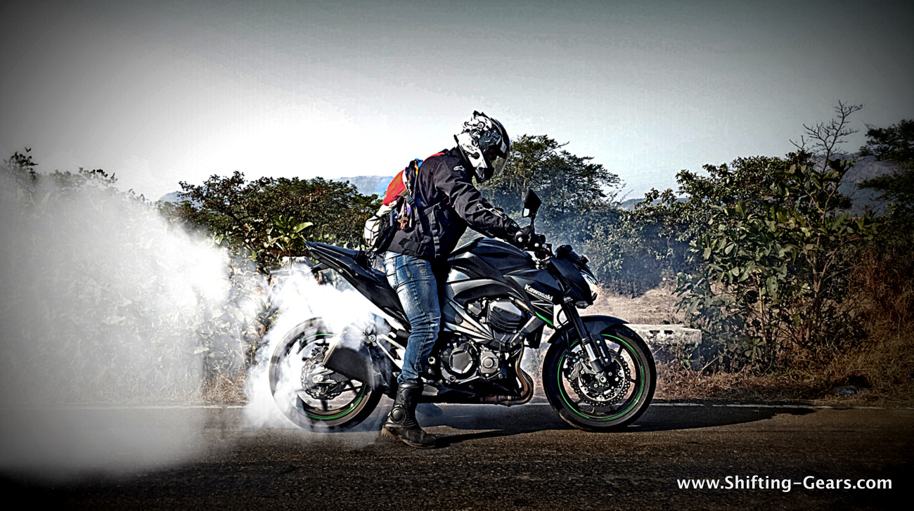 Kawasaki Z800 photo gallery