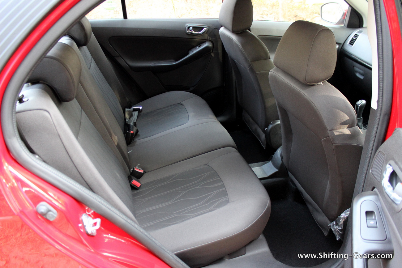 tata-bolt-hatchback-93