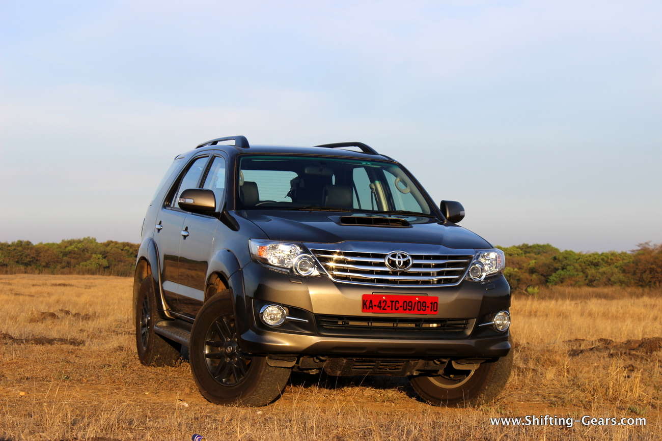 Toyota Fortuner 3 0L 4×4 AT: Review   Shifting-Gears