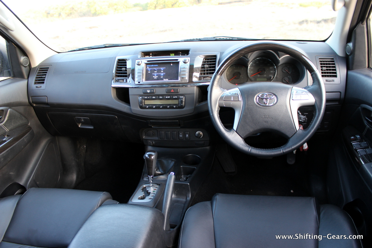 toyota fortuner 3 0l 4 4 at review shifting gears. Black Bedroom Furniture Sets. Home Design Ideas