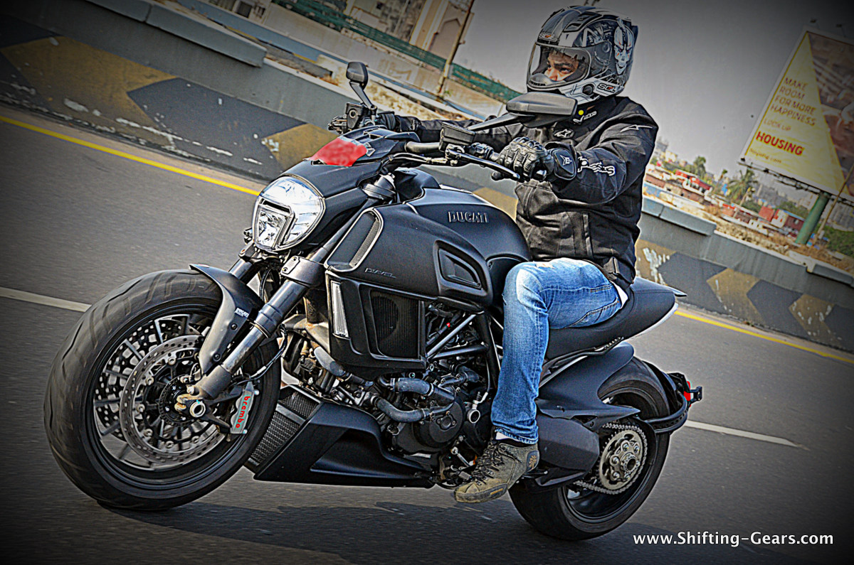 ducati diavel: first ride review | shifting-gears