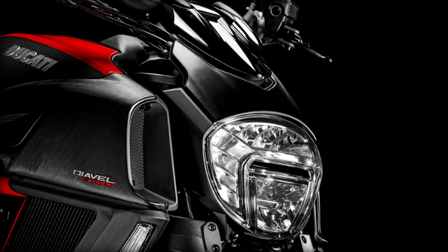 2015-ducati-diavel-india-review-31
