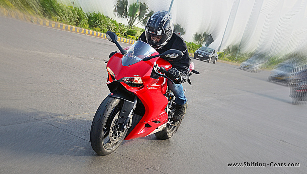 Ducati Panigale 899: Review