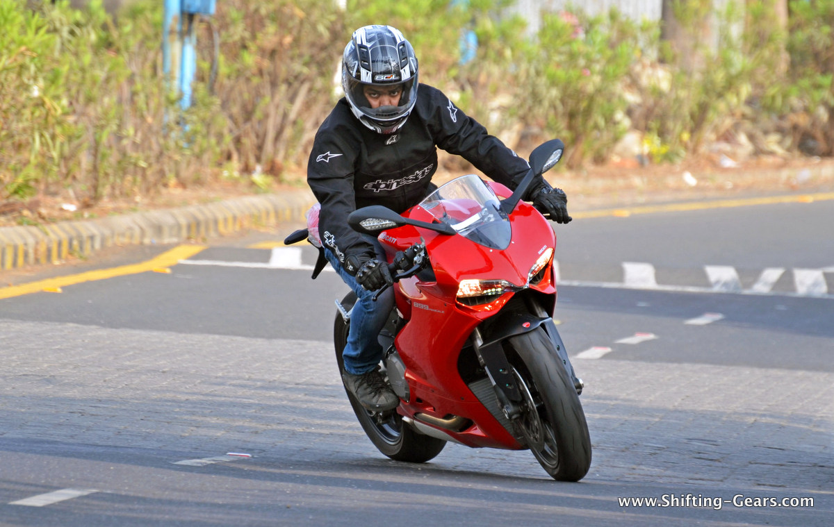Ducati Panigale 899 photo gallery