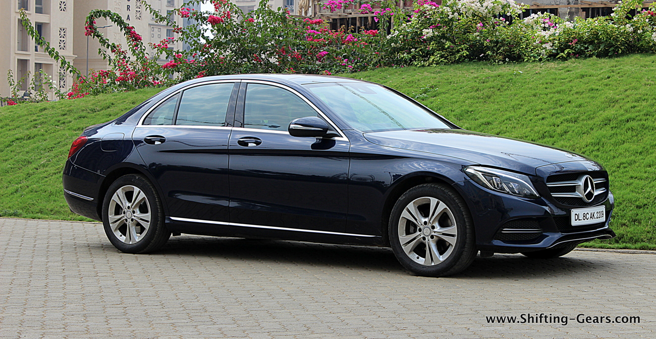 Mercedes benz c class c220 photo gallery shifting gears for Mercedes benz not shifting gears
