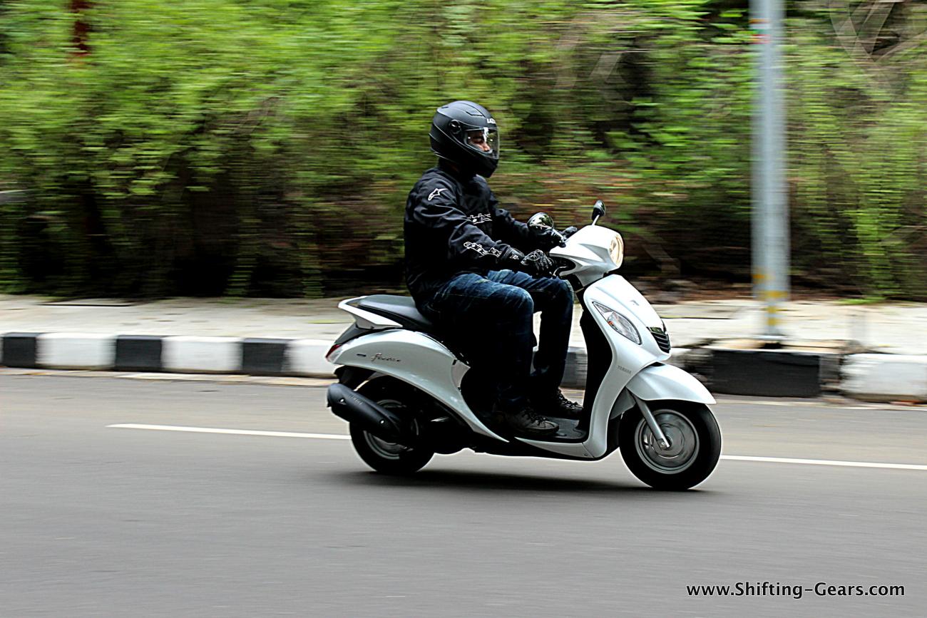 Yamaha Fascino photo gallery