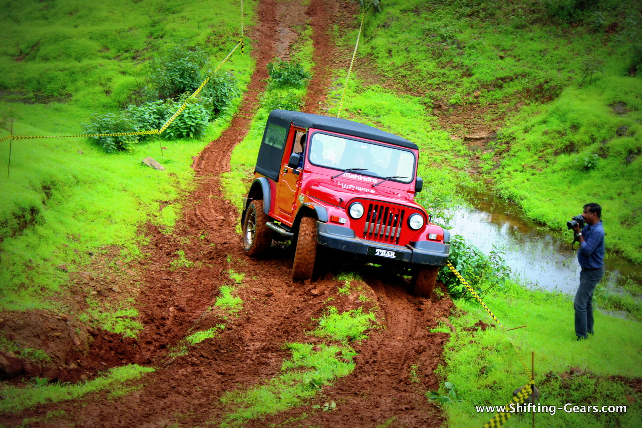 2015-mahindra-thar-crde-facelift-review-08