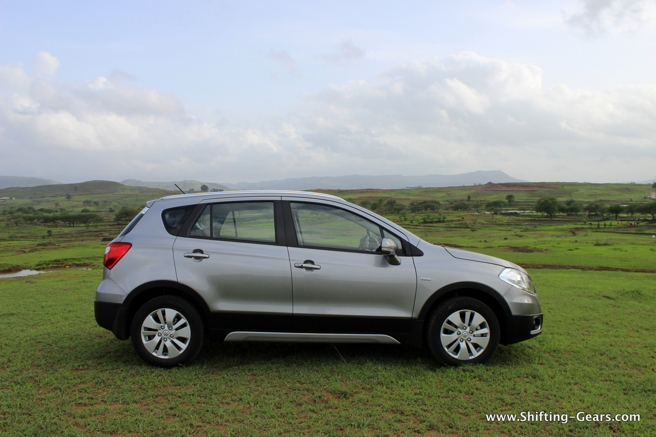 maruti suzuki s cross review shifting gears. Black Bedroom Furniture Sets. Home Design Ideas