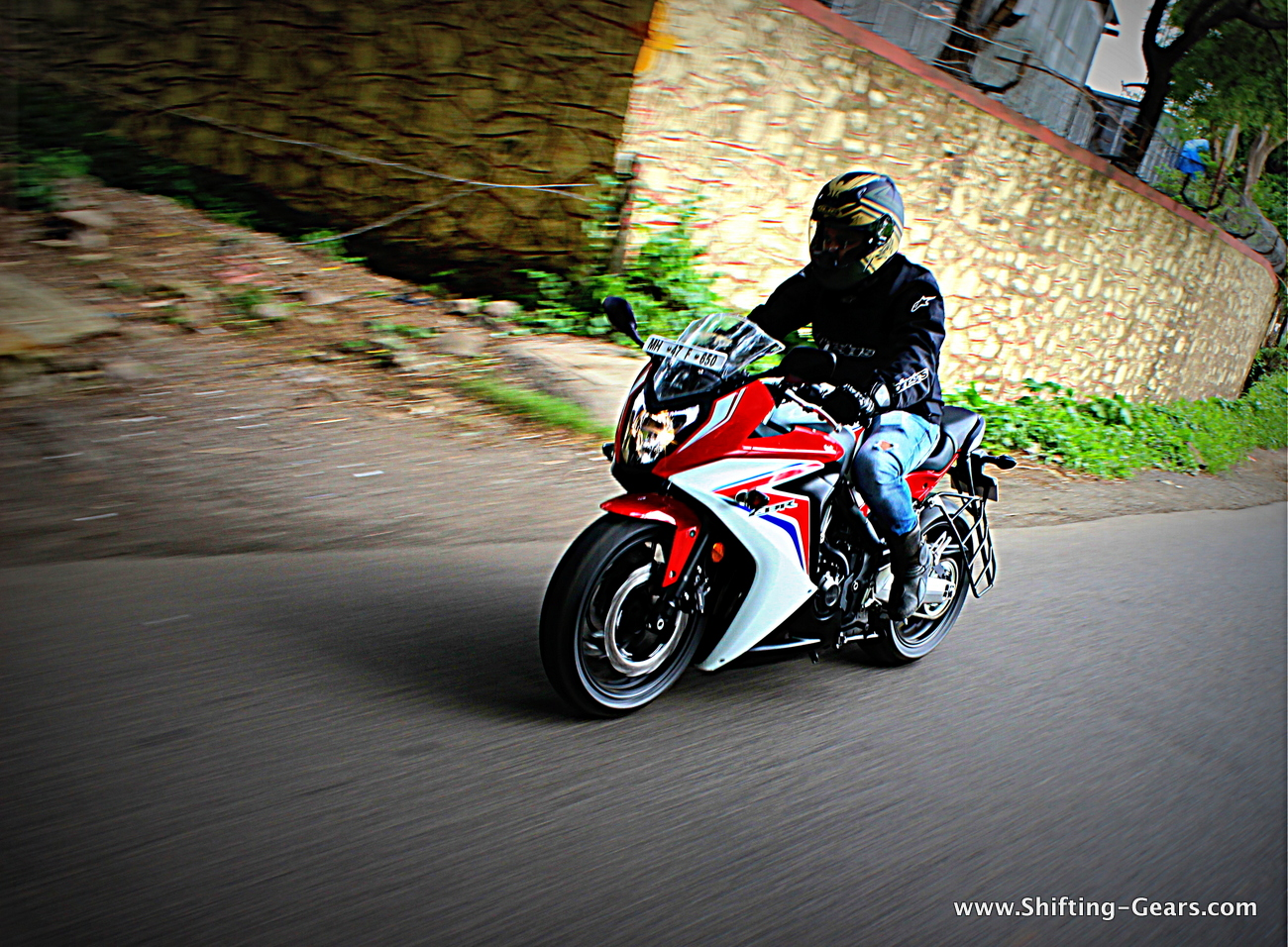 2015-honda-cbr-650f-review-india-05