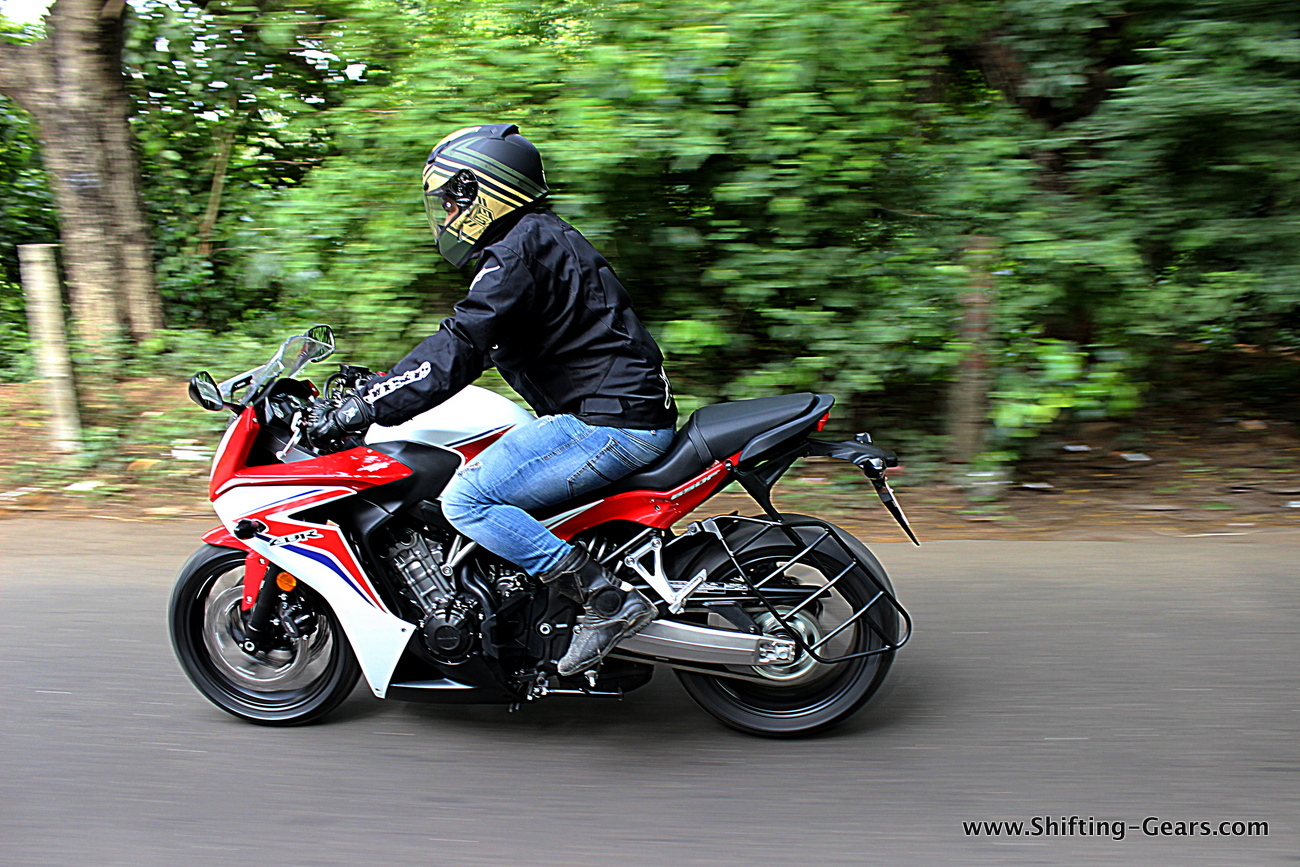 2015-honda-cbr-650f-review-india-06