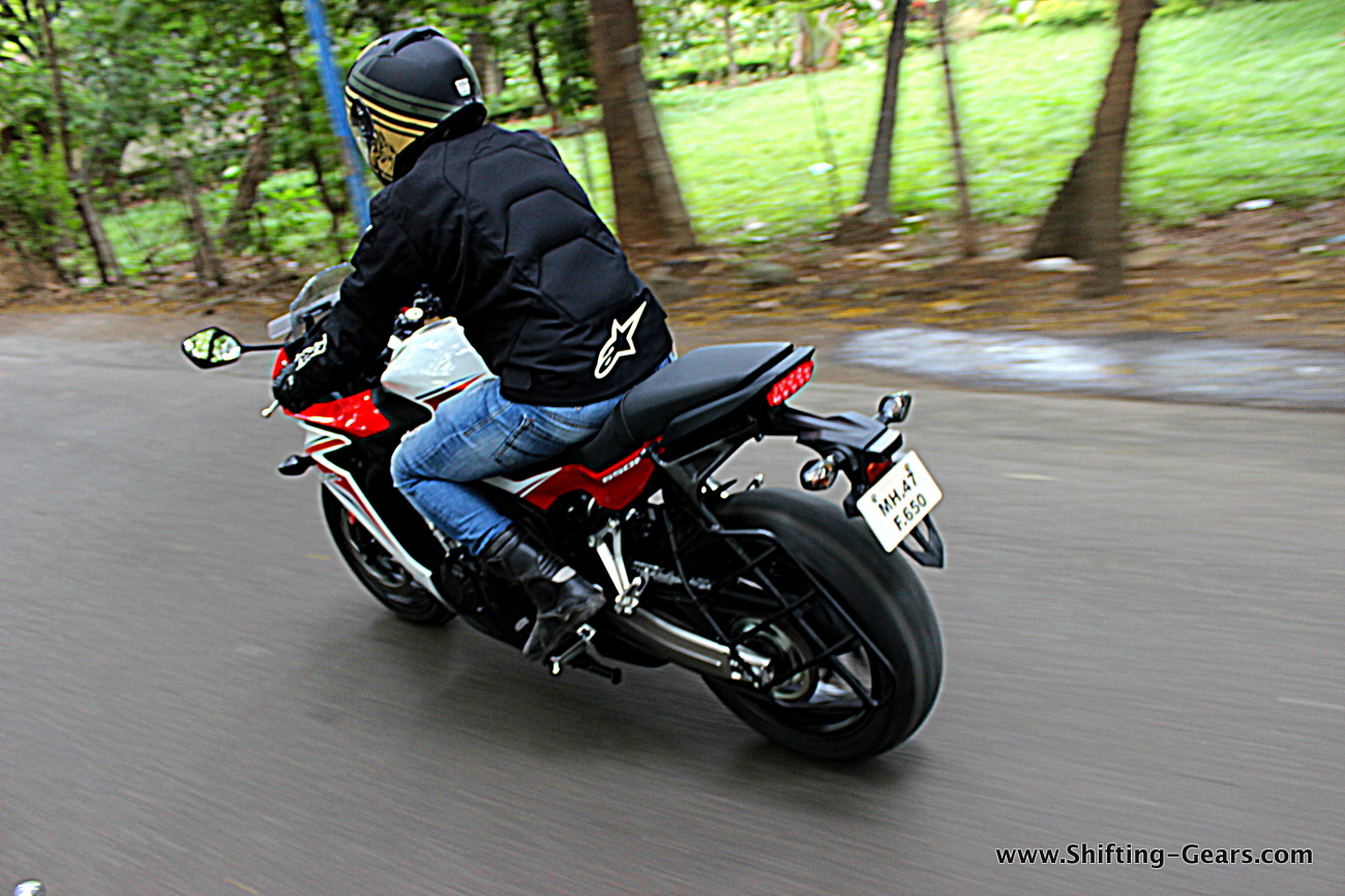 2015-honda-cbr-650f-review-india-08