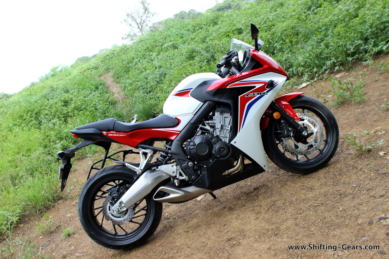 2015-honda-cbr-650f-review-india-18