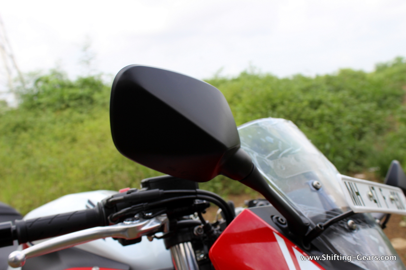 2015-honda-cbr-650f-review-india-30