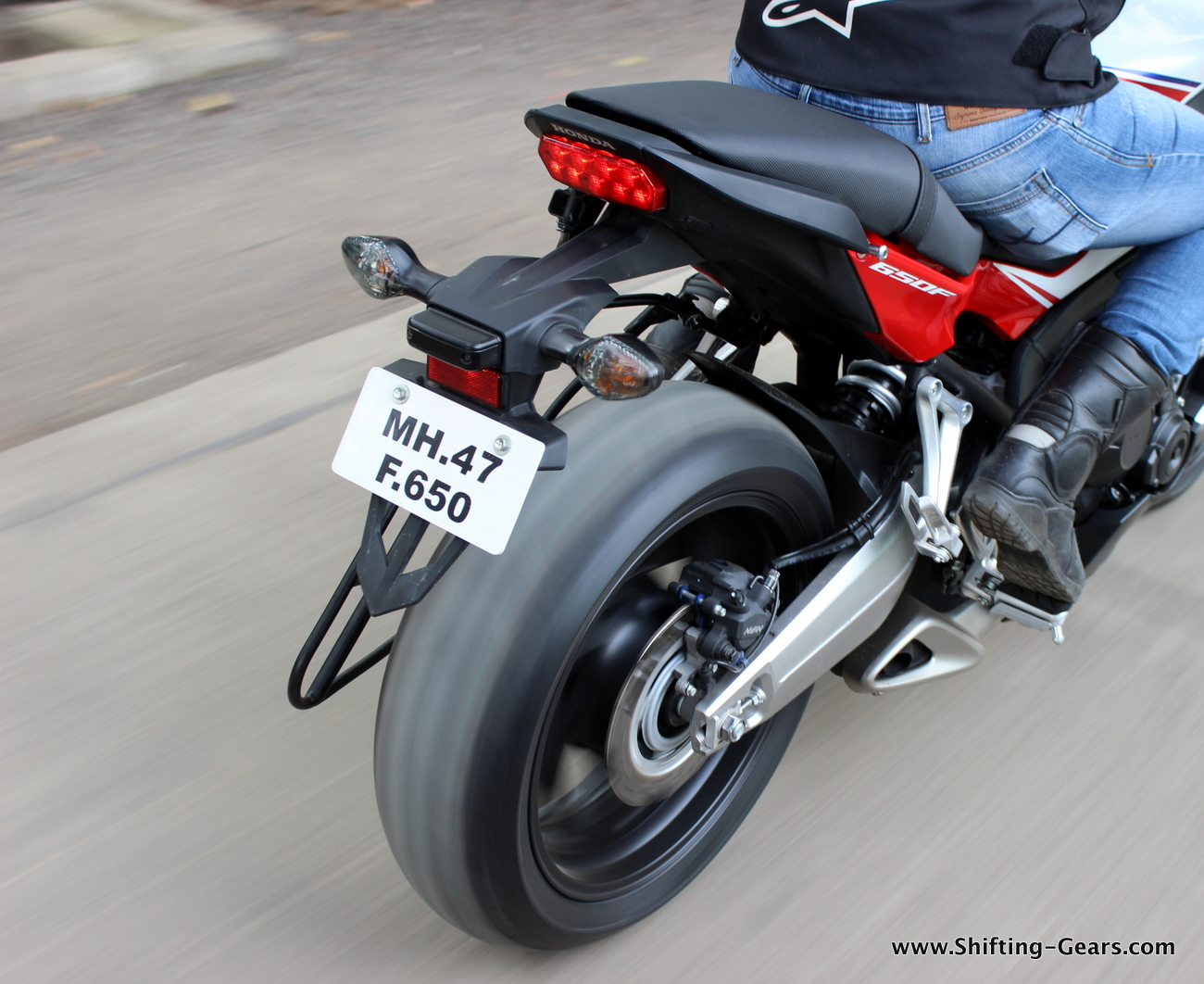 2015-honda-cbr-650f-review-india-45