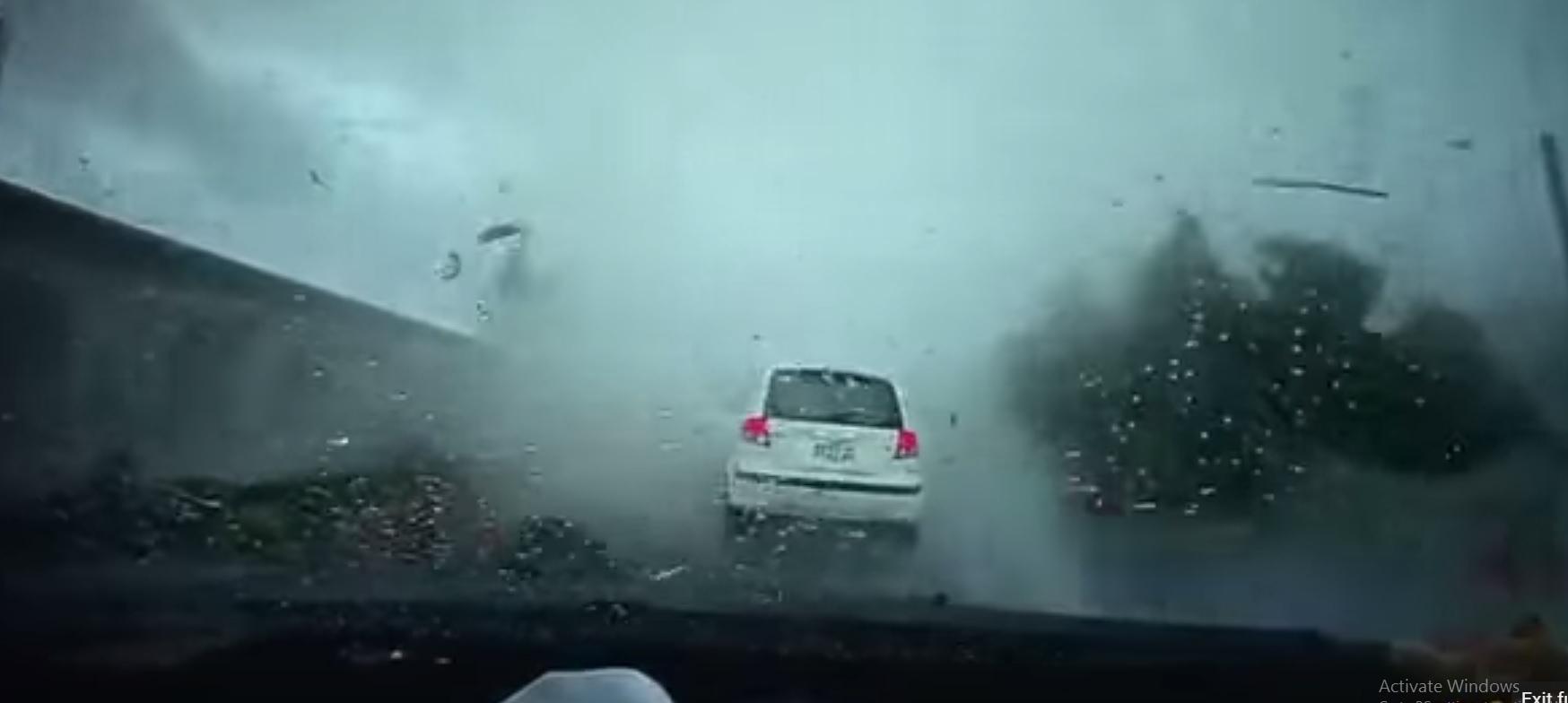 Taiwan Tornado sucks up Hyundai Getz car- Dash cam recording